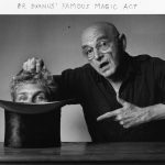 El famoso truco del Dr Duanu-Duane Michals, autorretrato